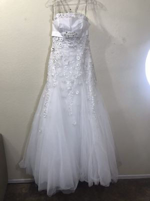 Must Go Today- Bridal Dress size 8 for Sale in Whittier, CA