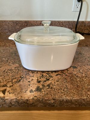 CorningWare White Frost 3 liter Casserole for Sale in Tucson, AZ