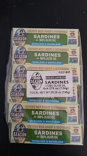 Sardines in 100% olive oil season brand 6 - 4.375 Oz cans expiration May 19th 2025 all for $5 for Sale in San Diego, CA
