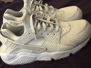 Nike Huaraches for Sale in Converse, TX