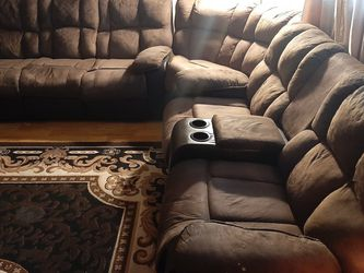 Free 3pcs Recliner Sectional Fair Condition for Sale in Lakewood,  WA