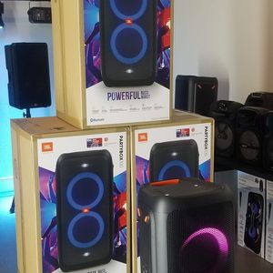 Brand new JBL speaker Partybox100. Bluetooth. USB. Rechargeable battery. Can mount on a pole. NUEVO EN CAJA. for Sale in Miami, FL