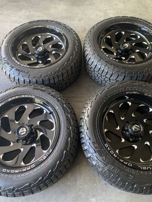Brand new 20x10 fuel off road rims with brand new 275/55/20 falken tires $2000 for Sale in Menifee, CA