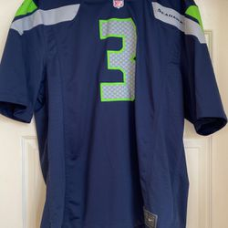 Russel Wilson Home Jersey XL for Sale in Tigard,  OR