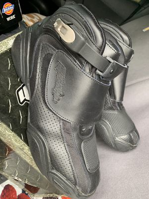 Brand New : Motorcycle boots : safety gear : black leather : SIZE 11 for Sale in Redwood City, CA