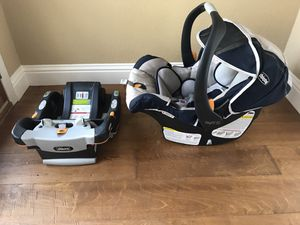 Chicco keyfit 30 infant car seat in good condition. This is a highly rated car seat one of the best available for Sale in Orangevale, CA
