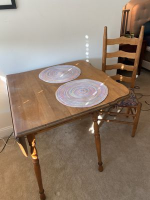 Kitchen dining table and chair for Sale in Arlington, VA