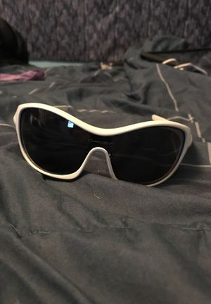 Oakley sunglasses for Sale in Homewood, IL