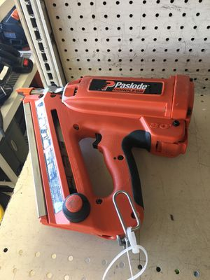 paslode framing nail gun (model: 900420) 1 battery & charger for Sale in Austin, TX