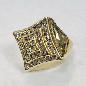 14K Solid Yellow Gold Ring with 48 real Diamonds. Weight 19.3g - Size 9 for Sale in Miami, FL