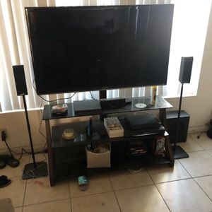 Samsung 3D TV And Stand for Sale in Oceanside, CA