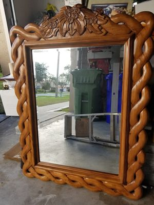 DRESSER MIRROR for Sale in Pembroke Pines, FL