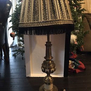 """Large 38"""" Brass Trophy/Chalice/Urn Table Lamp With Shade for Sale in IL, US"""