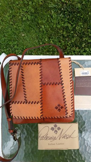 NWT Patricia Nash Italian Leather Whipstich Crossbody Purse for Sale in Wenatchee, WA