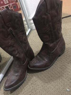 Girls boots size 2. In time for Cattle Call! for Sale in El Centro, CA