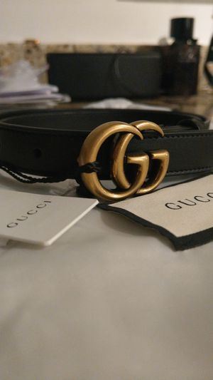 Gucci GG Skinny Belt (hip or waist) for Sale in Miami, FL