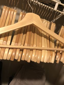 70 Wooden Hangers for Sale in Vancouver,  WA