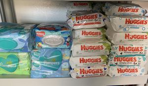 Pamper baby wipes or Huggies baby wipes for Sale in Lehigh Acres, FL
