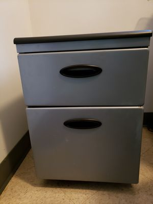 FILE CABINET FROM STAPLES for Sale in Chicago, IL