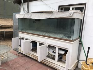 Fish tank 200 gallons or more for Sale in Riverside, CA