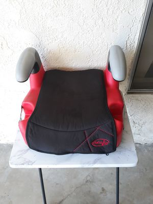 BOOSTER CAR SEAT for Sale in Cypress, CA