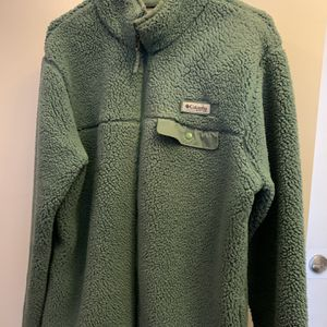 Columbia Medium Winter Coat Jacket Turquoise Fishing Similar To North Face Patagonia for Sale in Fort Worth, TX