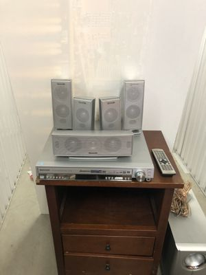 Panasonic SC-HT720 DVD Home Surround Sound System. 5 CD/DVD Changer+Stereo, 5 speakers, one Subwoofer, all cables, remote,manual. MAKE AN OFFER!! for Sale in Santa Ana, CA