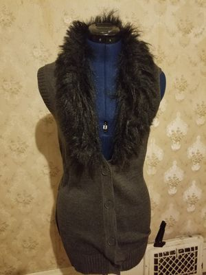 Vest with faux fur for Sale in Milwaukee, WI