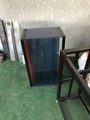 30 gallon aquarium for Sale in Fresno, CA