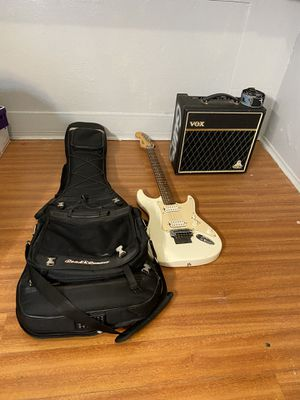 Squien Electric guitar, with its bag and sub box for Sale in Los Angeles, CA