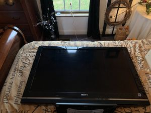 "Sony Bravia 40"" television for Sale in Lloyd, KY"