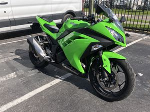 2015 Kawasaki Ninja 300 for Sale in Largo, FL