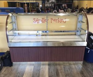 FREE 6ft Bakery display unit with glass shelves and lights for Sale in Arlington, VA