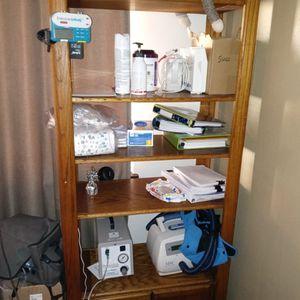 Shelf/ Cabinet for Sale in Auburn, WA