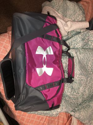 Duffle bag for Sale in Madera, CA