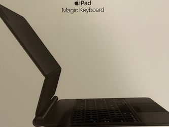 Apple Magic Keyboard for ipad Pro 11-inch (1st and 2nd generation) and Pad Air (4th generation) for Sale in Seattle,  WA