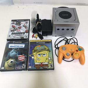 Silver Nintendo Gamecube system console with 3 games and controller for Sale in Rockville, MD