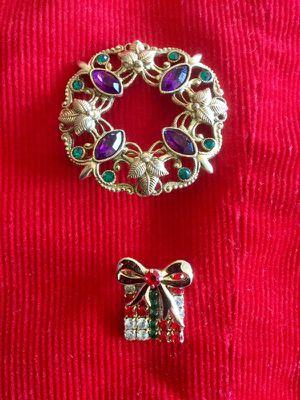 Pretty accessories & jewelry / Holiday pin - brooches 🌿🌷🌿 for Sale in Lincolnia, VA