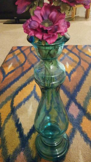 Turquoise vase for Sale in Manassas, VA
