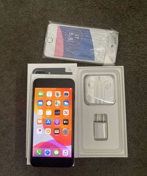 iPhone 7 Plus 128gb unlocked for any service. Phone is a 8 1/2 out of 10 ,works perfect just doesn't vibrate with all new accessories + case 260$ for Sale in Anaheim, CA