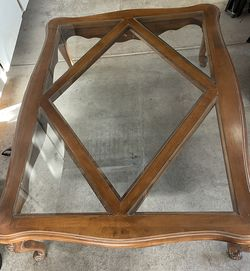 Ethan Allen Coffee Table for Sale in Ontario,  CA