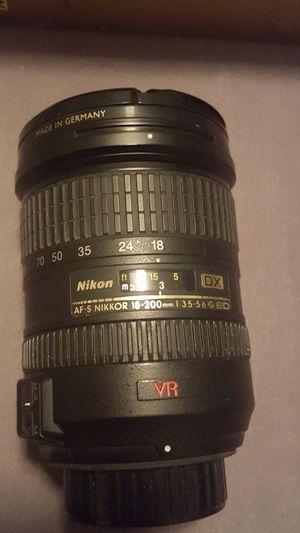 18-200mm nikon zoom lens for Sale in Denver, CO