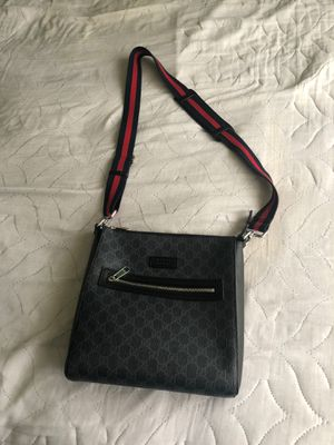 Brand new Gucci messenger bag for Sale in Calverton, MD