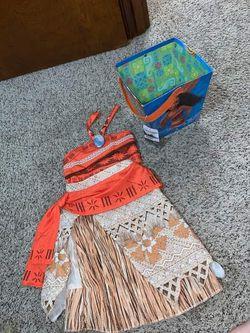 Moana costume & bucket for Sale in Portland,  OR