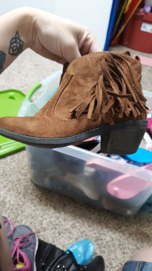 Little girls boots size 1 for Sale in Pevely, MO