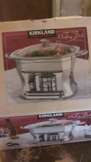 Stainless steel chafing dish 4 qaurt or 3.7 liters.. for Sale in Murrieta, CA