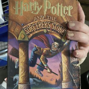 Harry Potter Books 1-4 for Sale in Fresno, CA