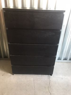 FREE Chest of drawers. Good shape. Pick up in Roseville next 48 hrs! for Sale in Roseville, CA