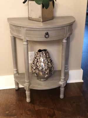 End table for Sale in Mt. Juliet, TN