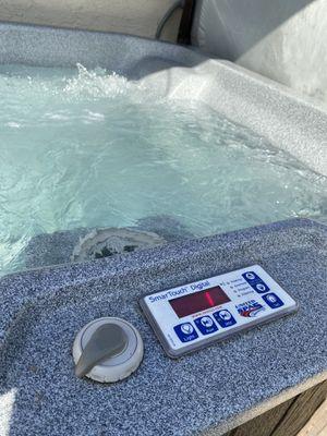 Hot tub (still under warranty) for Sale in Sacramento, CA